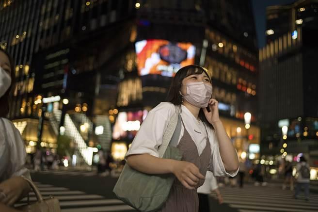日本政府內部評估,研擬於9月30日如期解除緊急事態。(圖/美聯社)