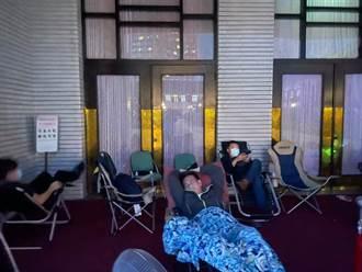 這7綠委還在睡!陳玉珍議場門前秀「霸氣英姿」喊:突襲成功!