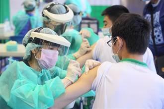 新北校園開打BNT 1學生接種後胸痛