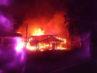 台南柳營雞舍火警 場內7成以上雞隻遭火烤喪命