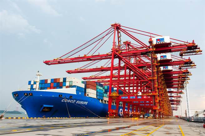 大陸嚴格執行限電停產政策,航運供應鏈將受到影響。(圖/shutterstock)