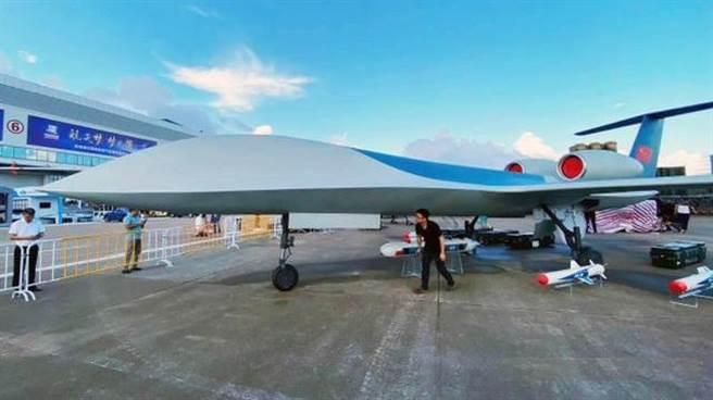 在13屆珠海航展上首次亮相的彩虹-6無人機。(圖/網路)