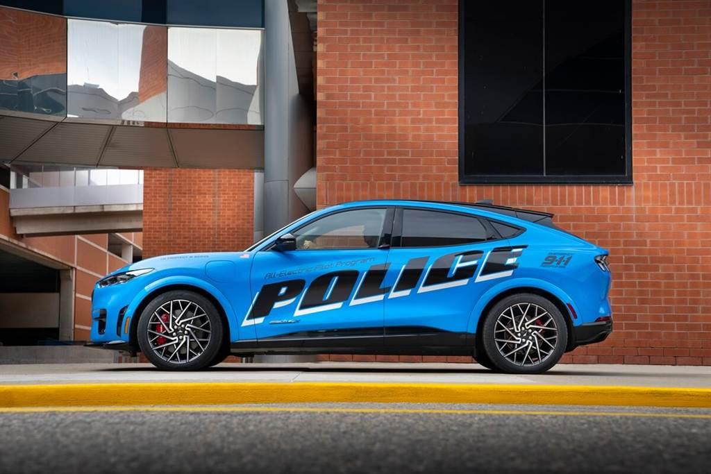 Ford Mustang Mach-E成為第一款通過美國密歇根州警察測試的純電動車(圖/CarStuff)