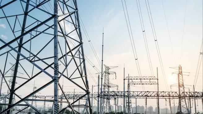 新華社指大陸目前大限電原因:經濟復甦強勁、煤價大漲。(澎湃新聞)