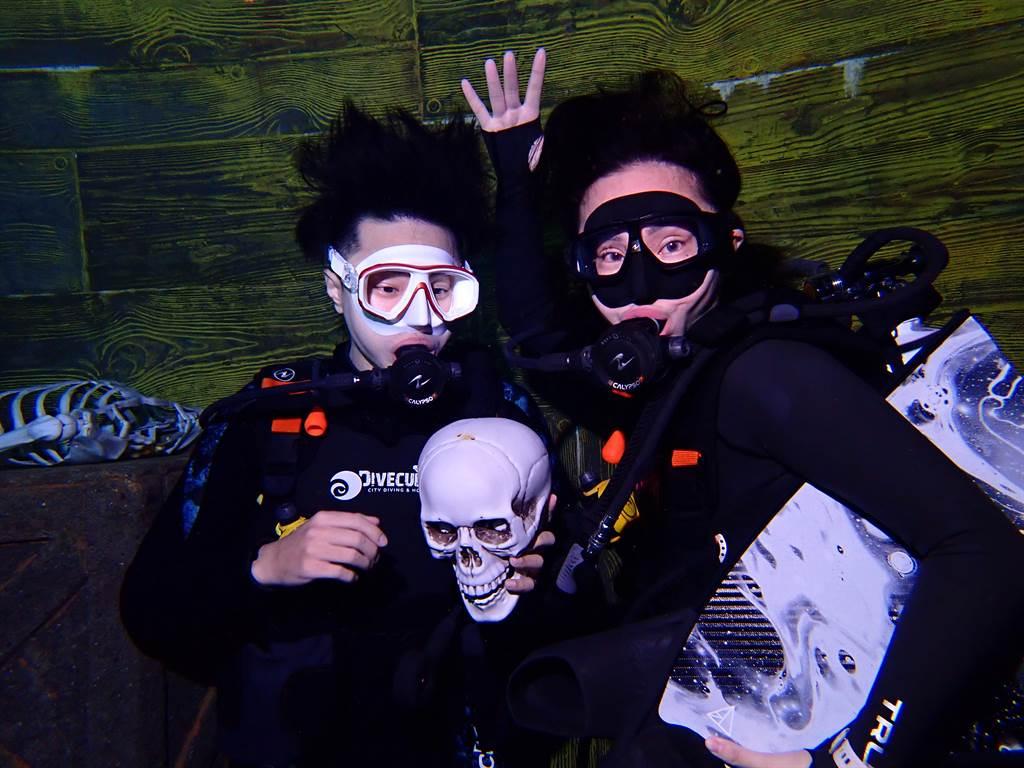 TOYOTA TV節目加入戶外運動題材,首集以潛水為主題,到台中潛立方進行體驗。(圖/業者提供)