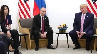 令川普分心 俄總統讓超級正妹口譯出馬