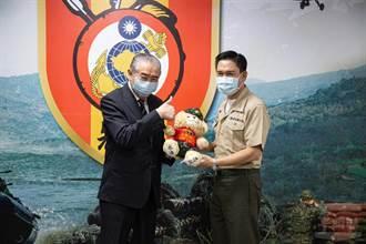 軍友社李棟樑今慰問陸戰隊66旅 官兵熱情歡迎