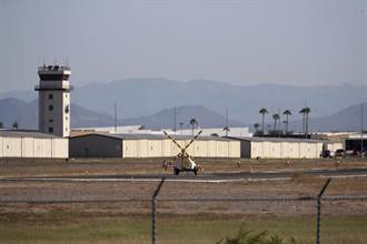 亞利桑那州直升機與輕型飛機半空對撞  釀2死