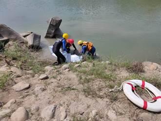8旬釣客失足落水 女兒尋找多時卻接認屍電話錯愕悲痛