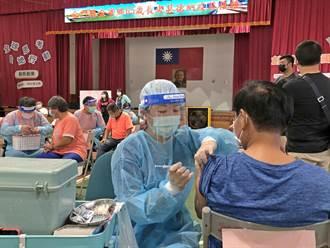 金門長者打第2劑莫德納 2天共4449人完成接種