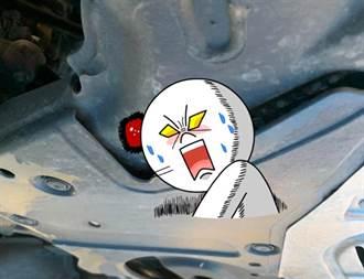 新車狂傳異音 他送修一看底盤好愣 竟多10倍「渦輪」