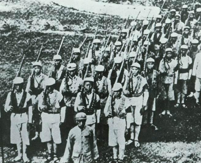 國共內戰已成歷史,因為這段歷史而被俘的台灣戰士陸續返台,但是台灣社會與軍方卻沒有給他們溫暖。(中時報系檔案照片)