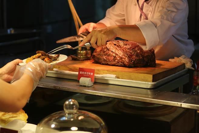 星享道酒店宣告十月起國際自助百匯重新對外營業。(星享道提供/馮惠宜台中傳真)