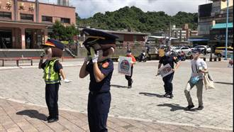 瑞芳警搭「魷魚遊戲」熱潮 上演行動劇宣導路口安全