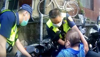 患糖尿病6旬翁騎車自摔 保大警見狀即刻救援