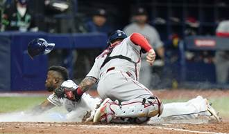 MLB》光芒首戰完封紅襪 阿羅薩雷納開轟後再盜本壘