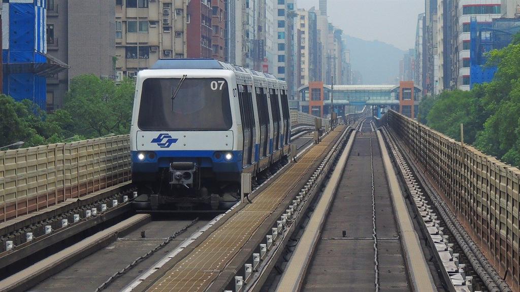 ▲接近捷運通勤方便,但也要擔心行駛造成的噪音。(圖/樂屋網提供)