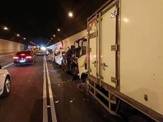 國3南下19.5km福德隧道6車連環撞  7人受傷1人腿骨折