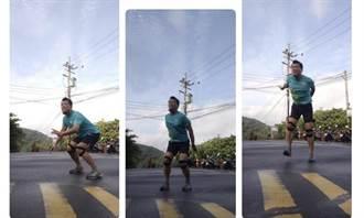 蔡詩萍》我跑著 歲月在後頭追趕 希望在前頭等著!