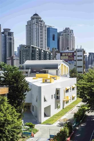 中市黎明國小幼兒園校舍 以三角形豐富學生的空間概念