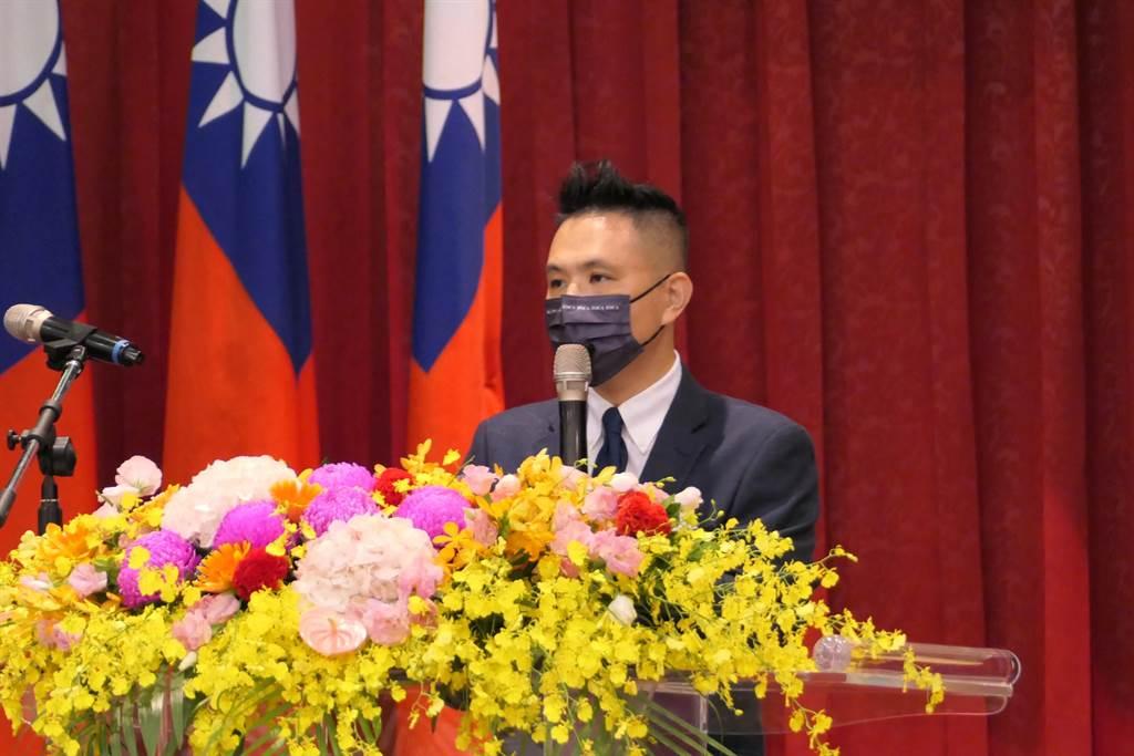 國民黨立委陳以信上午參加華僑節慶祝大會。(趙婉淳攝)
