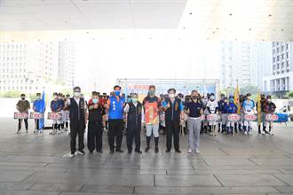 台灣甲子園再起風雲!中市府為黑豹旗參賽球隊授旗