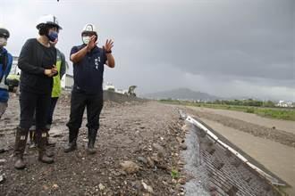 台東海端鄉2村明停班停課 饒慶鈴視察排水工程