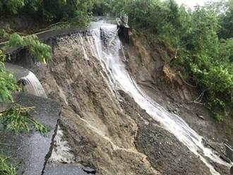 雨彈轟炸花蓮 瑞港公路路面「不見一半」短期難通車