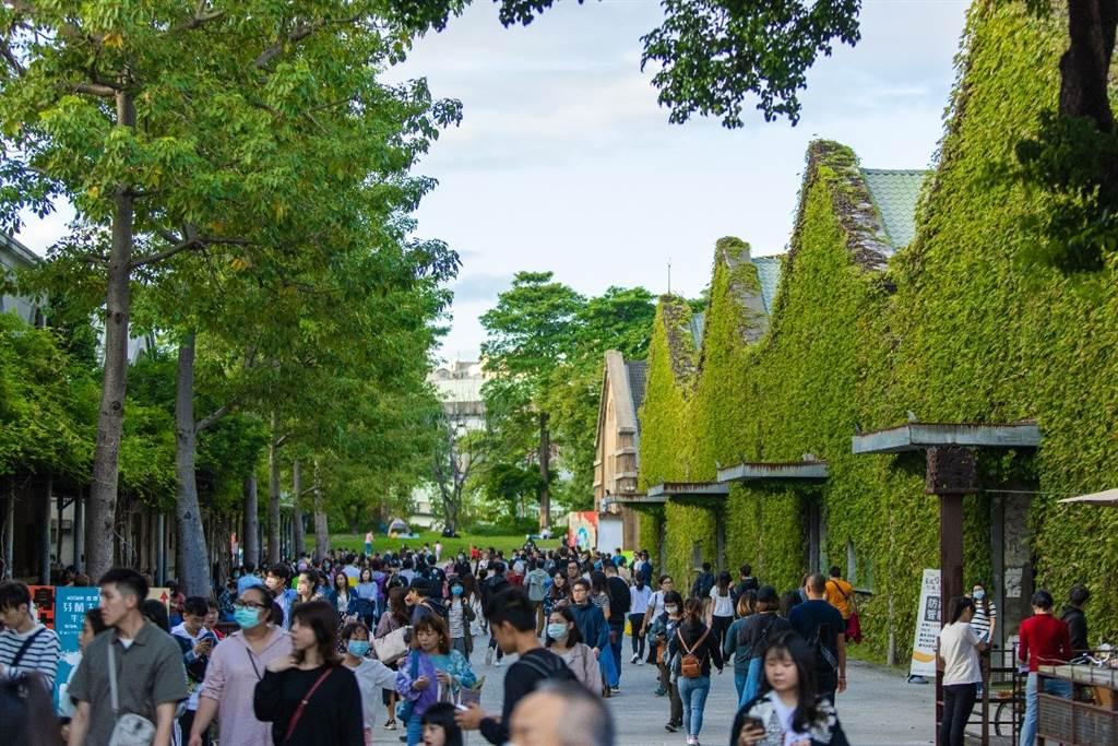 「裏山」鄰近充滿人文涵養氣息的華山文創園區。(圖/廣陞建設提供)