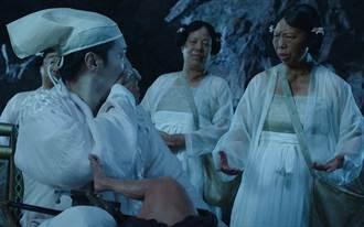 周星馳最愛演員不是朱茵、莫文蔚 星女郎走紅身價翻漲千倍