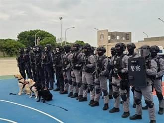 攻堅突擊梯車、防彈裝甲車參演 立委考察反恐訓練中心
