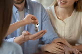 新婚夫房租付5個月驚覺不對勁 見房東真實身分傻眼
