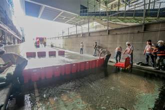 為防瞬間強降雨積水 桃機採購專利防洪擋板