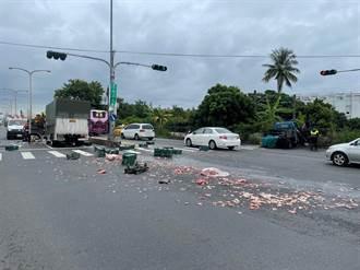 小貨車違規左轉釀車禍 事故現場「肉塊」噴滿地