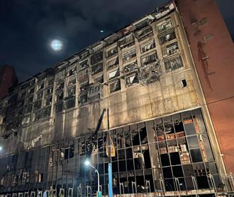 城中城1樓起火房間找到「燒焦香爐」 醉女否認點香釀災