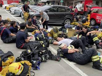 消防員搜救城中城見揪心畫面 罹難者滿臉恐懼背坐門等到死