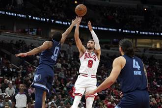NBA》拉文狂轟31分 公牛熱身賽4連勝迎接新球季