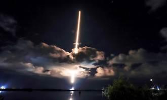 NASA探測器露西號升空 將花12年探索太陽系起源之謎