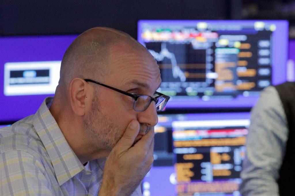 受到升息、通膨的影響,專家認為明年美股前景黯淡。(圖/路透社)