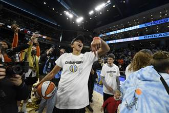 WNBA》天空總冠軍賽G4逆轉氣走水星 隊史首冠入袋