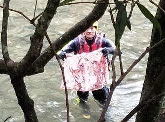 虎豹潭下游20公里河床 發現8歲劉小妹溯溪鞋及雨衣