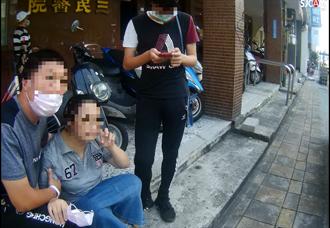 婦捐血後血糖低險暈街頭 機智警給「救命丹」救命
