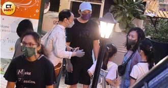 倪安東小三扶正帶女兒買內衣零食 管罄當小媽享天倫樂