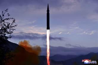 射程450公里 首爾曝北韓測試潛射飛彈