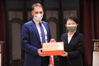 歐盟會員國拜訪台中市府 盧秀燕:感謝捐贈疫苗