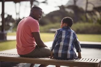 開卷書摘》不接受建議的父母 不代表就是「頑固」