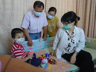 搶救靈魂之窗 高醫將陪眼癌童赴美治療