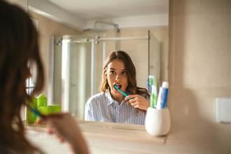 今日最健康》美白牙膏能刷白牙齒? 醫曝孕婦等5種族群別使用