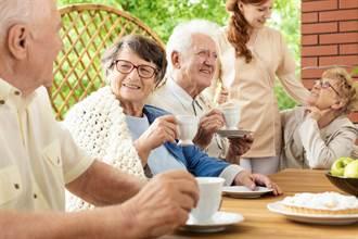 日學者看健康長壽3要素 特別警告「獨自運動衰老更快」