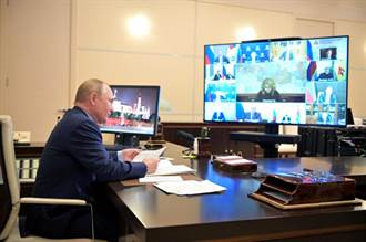 疫情升溫 俄總統批准停班一週